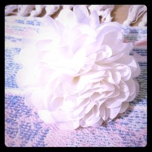 Other - 🔥SALE🔥 🌼👧 FLOWER HAIR Tie & Clip 👧🌼 NWOT